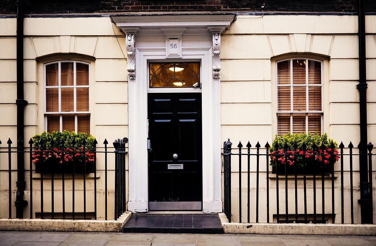 Quels sont les conseils d'un professionnel pour la pose des portes ?